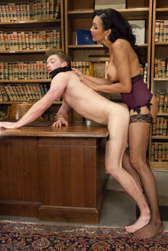 TSSeduction - Yasmin Lee and Lucas Knight - Devastatingly Gorgeous Secretary Punishes Sexist Boss Pig! (HD/720p/1.52 GB)