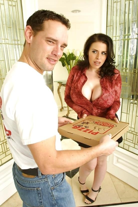 BigSausagePizza / RealityGang - Daphne Rosen - Daphne Rosen in anal (HD/720p/607 MB)