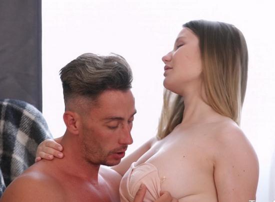 Anal-Angels/TeenMegaWorld - Amalia Davis aka Amalia Devis - Busty Babe Enjoys Fresh Sperm (FullHD/1080p/1.45 GB)