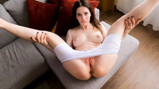 Porn - Reislin - Naughty girl loves anal plug and yoga And Cum Inside Her Pussy (FullHD/1080p/476 MB)