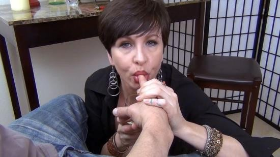 Mrs Mischief/Clips4Sale - Mrs Mischief - Contributing to the Delinquency of a Nephew (FullHD/1080p/788 MB)