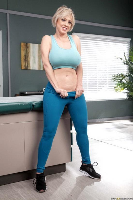 Brazzers/BigButtsLikeItBig - Dee Williams - Ass Reduction?! (FullHD/1080p/1.51 GB)