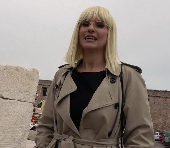 JacquieEtMichelTV/Indecentes-Voisines - Marie-Charlotte - Marie Charlotte, 40, Seeks Sexual Fulfillment (FullHD/1080p/1.01 GB)