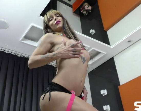 StaXXX/TrannyCandy - TS Isa Laurence - Busty babe with a big dick cums hard (FullHD/1080p/974 MB)