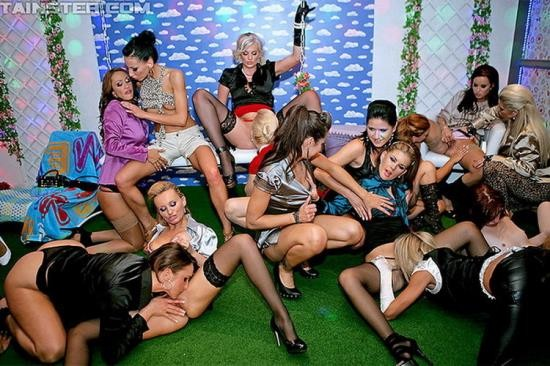 PissingInAction/Tainster - Virus Vellons, Claudia Adams, Rachel Evans, Cindy Dollar, Leony Aprill, Rihanna Samuel... - 18 Eurobabe Lesbo Piss Party Part 1 (FullHD/1080p/1.27 GB)