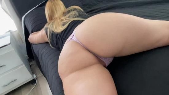 OnlyFans - Baby Montana - I came into my step sister room and fucked her while she was on the phone (FullHD/1080p/696 MB)
