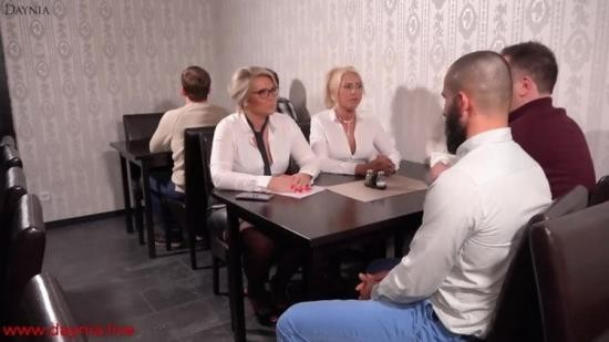 OnlyFans - Daynia - The milf office sluts fucked in all holes in the restaurant (FullHD/1080p/1.05 GB)