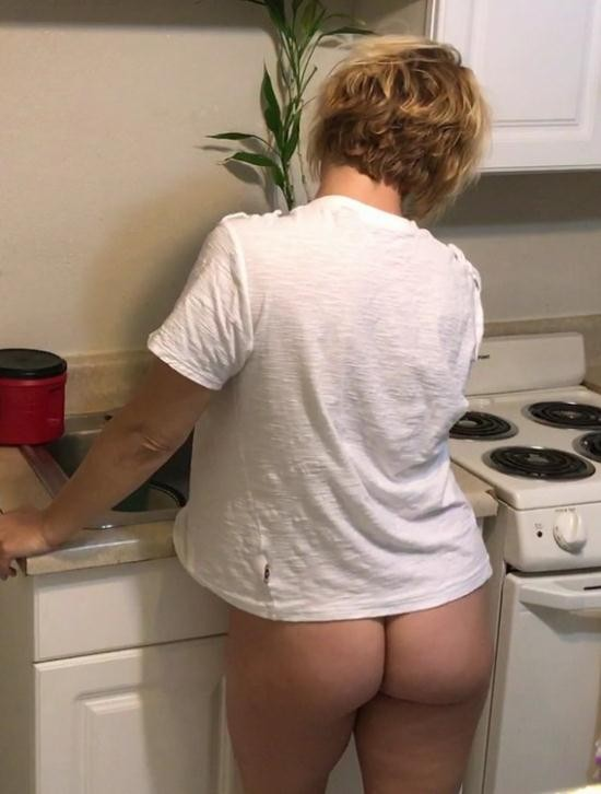 Mom Comes First/Clips4Sale - Brianna Beach - Mother, Son's Morning After (FullHD/1080p/1.47 GB)