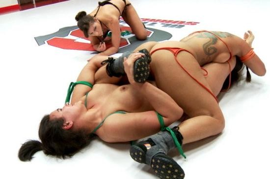 UltimateSurrender/Kink - DragonLily , Penny Barber , Syd Blakovich , Ariel X, Holly Heart - MILFs Mom's I'd Like to Fight: Mini-tournament Who's the baddest mom? (SD/540p/651 MB)