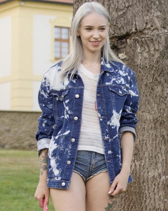 WowGirls - Arteya - Russian Tourist (FullHD/1080p/1.18 GB)
