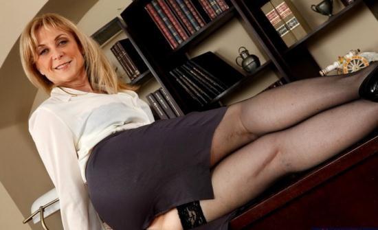 MyFirstSexTeacher/NaughtyAmerica - Nina Hartley - Nina (FullHD/1080p/1.84 GB)