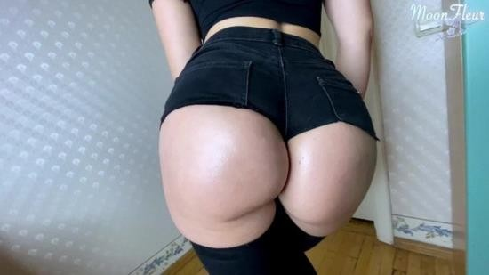 OnlyFans - Moon Fleur - Big Ass Babe Blowjob Dick and Hard Doggystyle - Cum on Pussy (UltraHD 4K/2160p/1.07 GB)