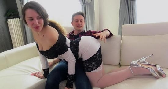 JacquieEtMichelTV/Indecentes-Voisines - Sofia aka Sofya Curly, Sofia Curly - Sofia, 28ans, Une Bombe Atomique (HD/720p/765 MB)