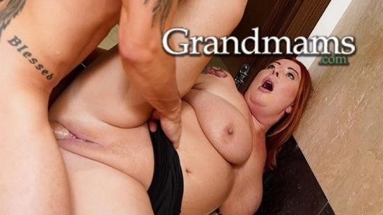 Grandmams - Unknown - Bossy Cougar Squirting for Halloween (FullHD/1080p/520 MB)