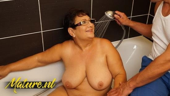 MilfCurves - Unknown - Married BBW With Big Tits Fucked By Her ToyBoy (UltraHD 4K/2160p/952 MB)