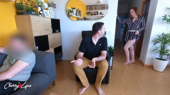 OnlyFans - Cherry Lips - Stealty fuck behind my with his best friend while he watches soccer (FullHD/1080p/622 MB)