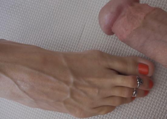 QueenSnake/QueenSect - QS - Toe Rings (UltraHD/4K/2160p/1.25 GB)