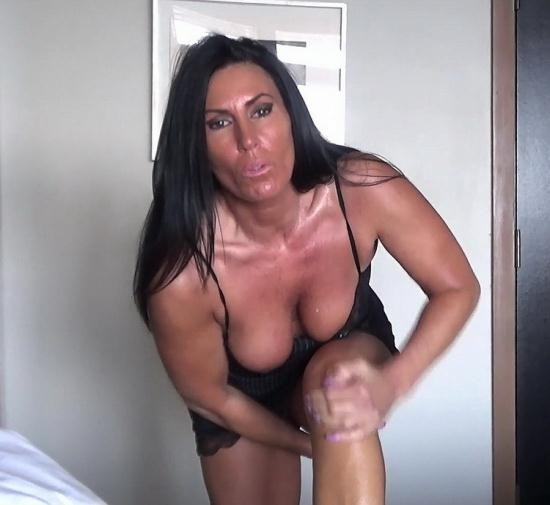 Manyvids - Katie71 - Mom and Son's Night at the Hotel (FullHD/1080p/721 MB)