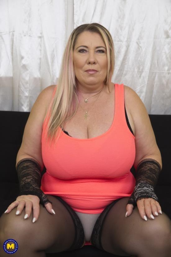 Mature.nl/Mature.eu - Bartina (53) - Big breasted BBW Bartina doing her toyboy (FullHD/1080p/1.58 GB)