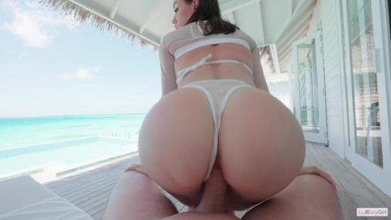 OnlyFans - Luxury Girl - Passionate Morning In Paradise (UltraHD 4K/2160p/1.70 GB)