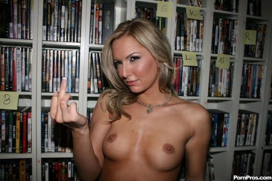 RealExGirlfriends/PornPros - Taylor Tilden - Blonde Slutty Rommmate (HD/720p/739 MB)