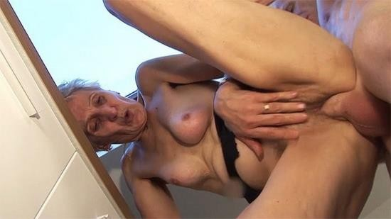 GrannyGuide - Unknown - Fingering a 83 years old hairy mom (UltraHD 4K/2160p/773 MB)