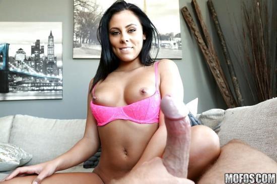 LetsTryAnal/Mofos - Gianna Nicole - Amateur Girlfriend Loves Anal (FullHD/1080p/3.98 GB)