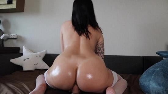 Porn - Happy Yulia - AHEGAO FACE OIL BODY RIDING ON HUGE COCK (FullHD/1080p/454 MB)