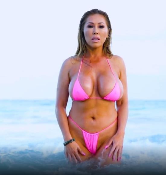 OnlyFans - Kianna Dior - Tulum Pink Bikini Titfuck (FullHD/1080p/1.32 GB)