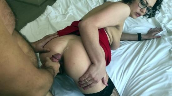 Porn - Karolina - WOW Married Whore Gets Ass Fucked (UltraHD 4K/2160p/1.91 GB)
