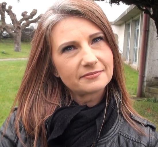 JacquieEtMichelTV - Christina, 38ans - Timide mais coquine ! (FullHD/1080p/1.21 GB)