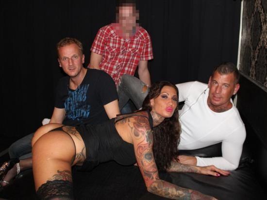 Kimholland.nl - Calisi - Superheftige anaal en sandwich gangbang met Calisi Ink (FullHD/1080p/2.07 GB)