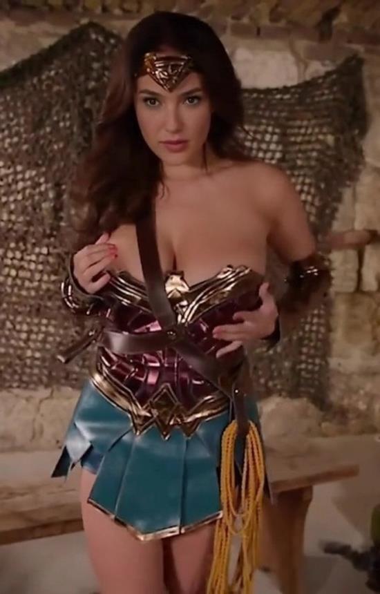 MrDeepFakes - Anissa Kate - Wonder Woman Gal Gadot - Diana rubs herself raw (FullHD/1080p/1.23 GB)