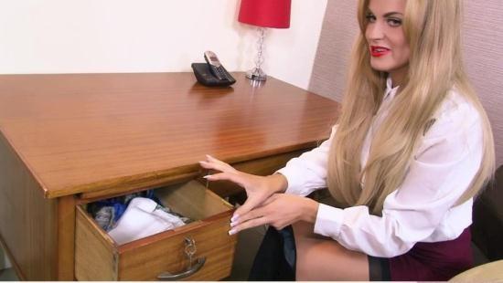 Boundhoneys - Jasmine Sinclair, Stella Cox - Blindfolding The Boss (HD/720p/1.25 GB)