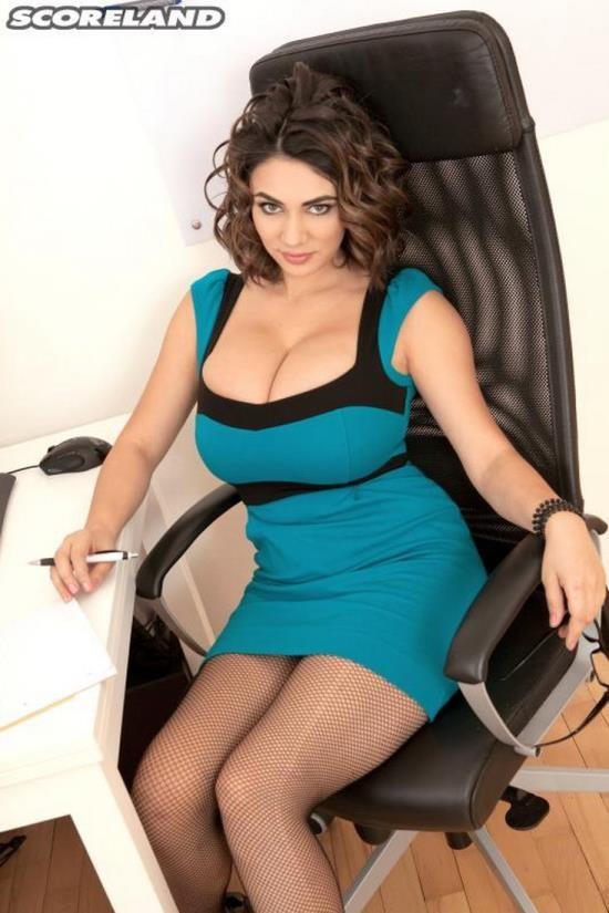 PornMegaLoad /Scoreland - Alexya aka Luna Amor - The Hot Office Chick (FullHD/1080p/1.05 GB)