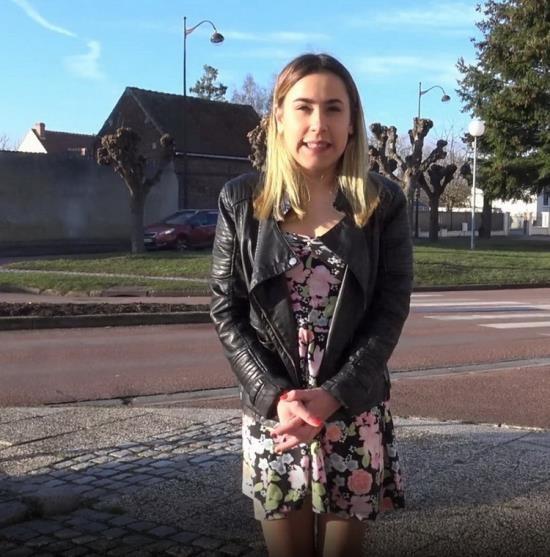 JacquieEtMichelTV.net - Juliette - Juliette 18ans tente la sodomie (FullHD/1080p/1.40 GB)