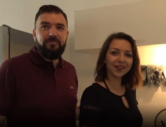 JacquieEtMichelTV.net - Caro - Une sacree surprise pour Caro 22ans (FullHD/1080p/799 MB)