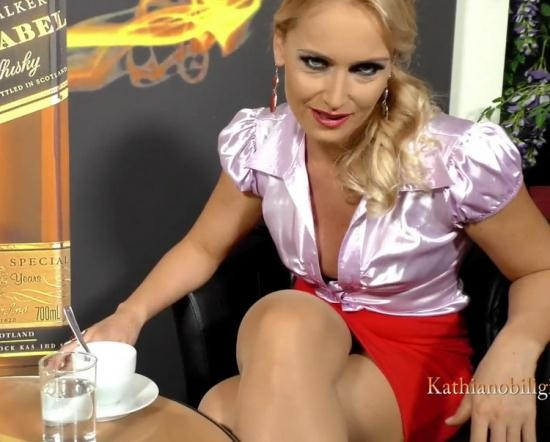 KathiaNobiliGirls/Clips4Sale - Kathia Nobili - Your first experience of PUBLIC sex with your MOMMY!!! Could you wish for more this Christmas! (FullHD/1080p/813 MB)