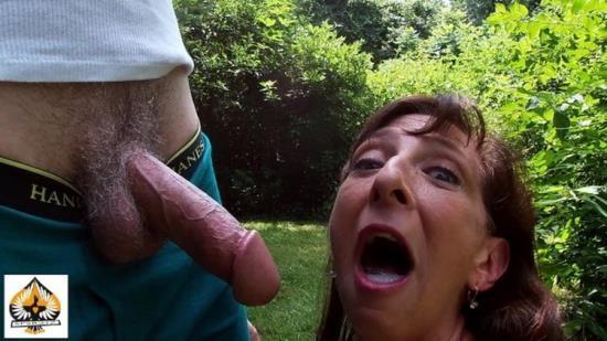 Onlyfans - Unknown - Sexy Milf Marie Blowjob Cum Swallow Sunshine (FullHD/1080p/1.02 GB)