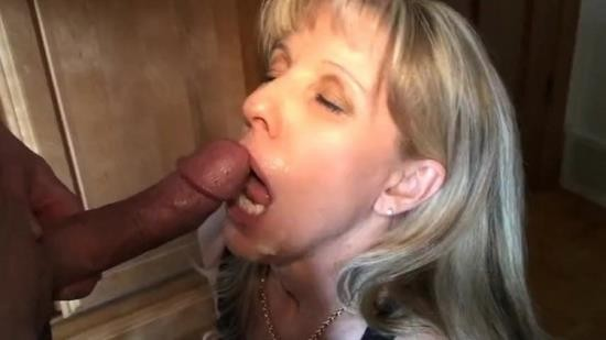 Onlyfans - Carol Cox - Sucking a 23 year old cock (FullHD/1080p/390 MB)
