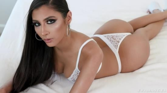 EvilAngel - Gianna Dior - Blowjob With Eye Contact (FullHD/1080p/1.22 GB)