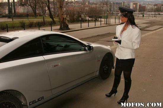 MofosWorldWide/Mofos - Angelika Black - Ticket My Ass (HD/720p/1.16 GB)