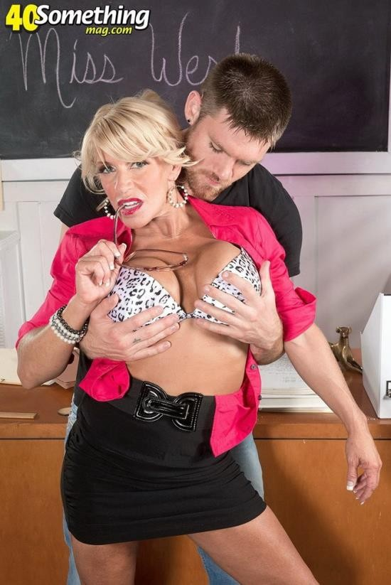 40SomethingMag/ScoreHD - Gina West - Ginas After School Sex Show (FullHD/1080p/1.13 GB)