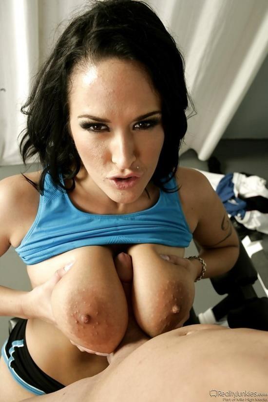 RealityJunkies - Carmella Bing - Pornstar Athletics (HD/720p/797 MB)