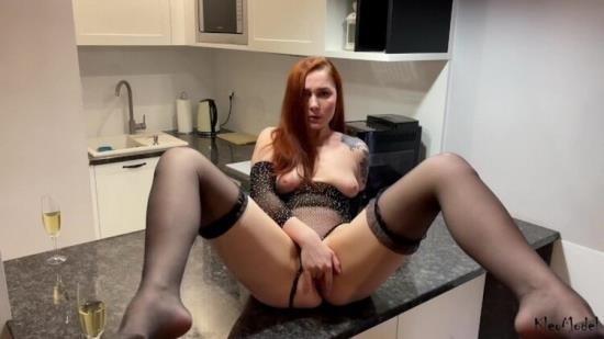 OnlyFans - Kleo Model - Facial and Hotel Sex with Redhead wife KleoModel (UltraHD 4K/2160p/4.05 GB)
