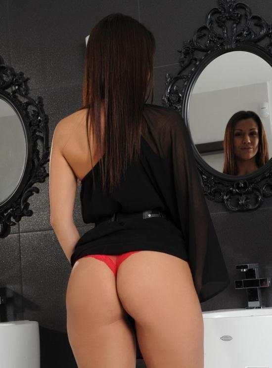 PixAndVideo/21Sextury - Samia Duarte - Spanish Temperament (HD/720p/707 MB)