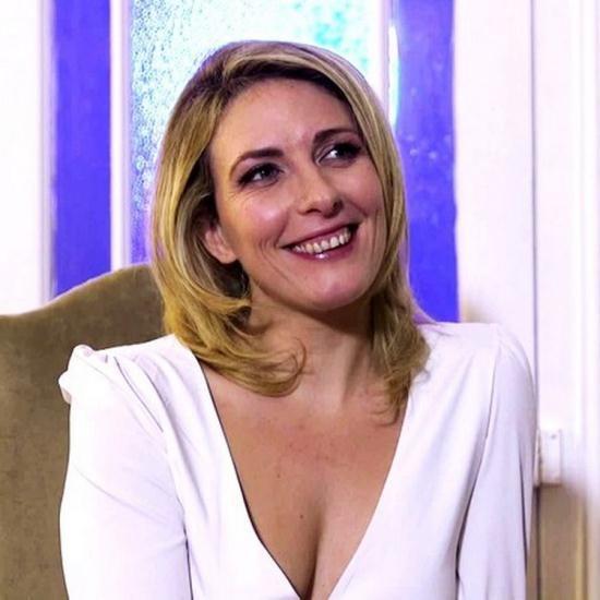 JacquieEtMichelTV/Indecentes-Voisines - Emma - Sejour parisien hot pour Emma (FullHD/1080p/791 MB)