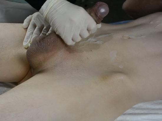 lisafem - lisafem - SKINNY Boy with Huge Cock CUMS twice on his Esthetician. Wax with Handjob (FullHD/1080p/121 MB)