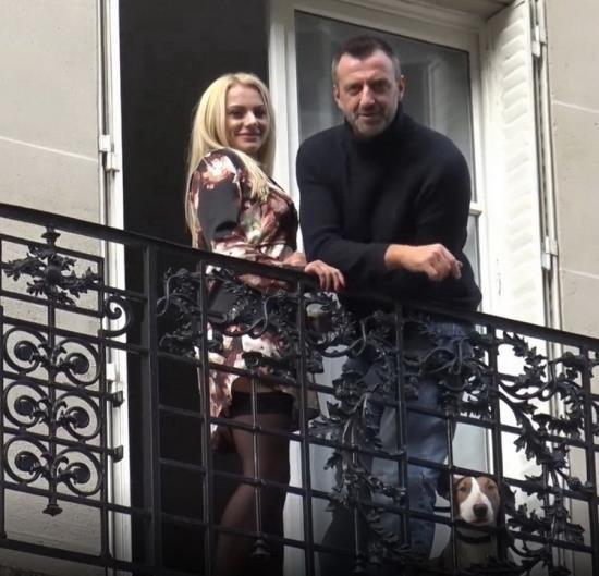 JacquieEtMichelTV.net - Elizabeth Romanov - Elisabeth 25ans bombe blonde (FullHD/1080p/1.10 GB)