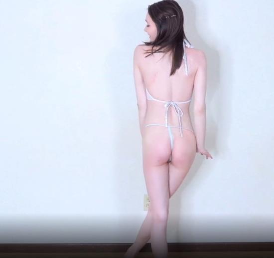 ManyVids - Princess Bambie Aka Carissa Nicole - Strip And Play (FullHD/1080p/546 MB)